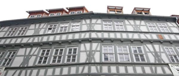 Zur Löwenburg